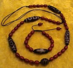 Modern-Dzi-Bead-Necklace-3